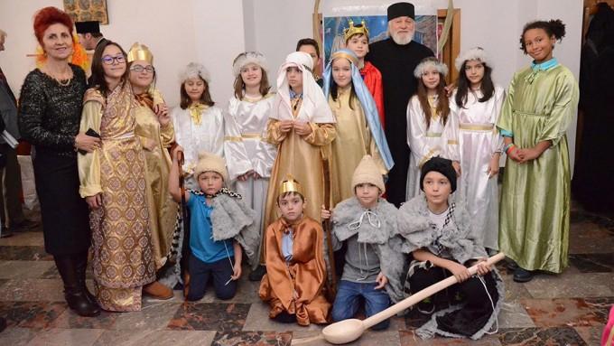 Serbare Craciun Manastirea Christiana