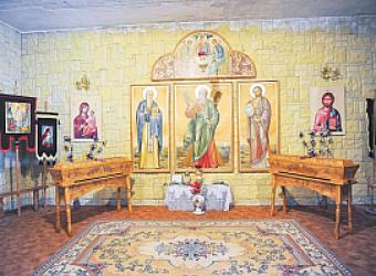 Racla-Sfinti-Martiri-Manastirea-Halmyris_w2000_h1331_q100_w747_h800_q100